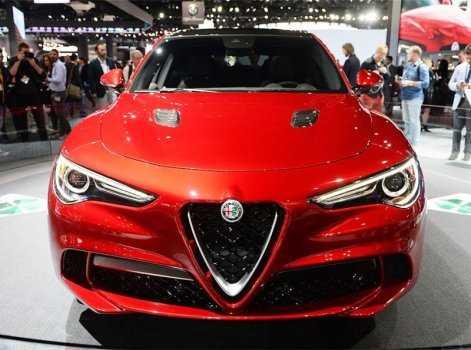 Огляд автомобіля Alfa Romeo Stelvio 2017-2018