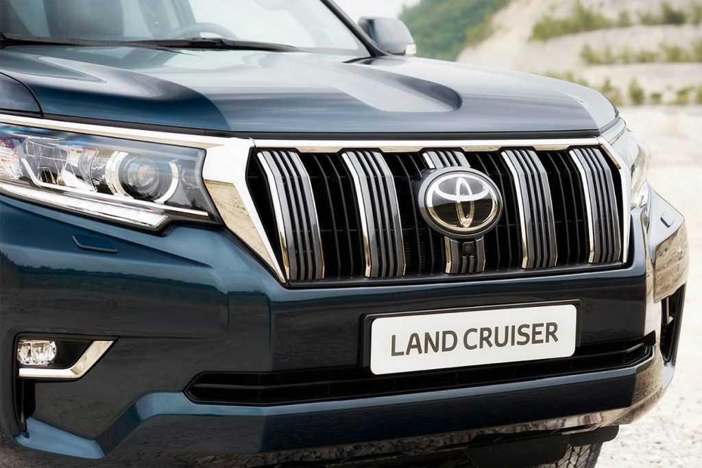 Огляд автомобіля Tayota Land Cruiser Prado 2018