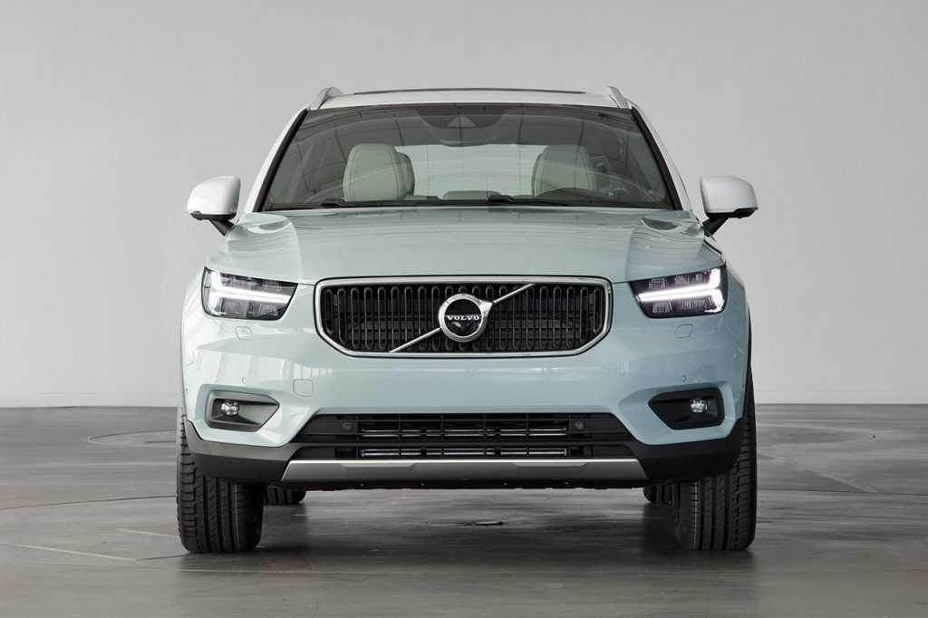 Огляд автомобіля Volvo XC40 2018 року