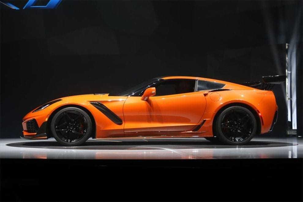 Огляд автомобіля Chevrolet Corvette ZR1 2018 – 2019 року