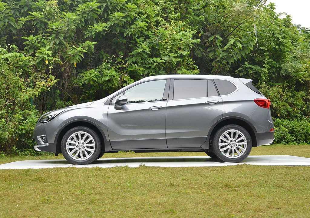 Огляд автомобіля Buick Envision 2018 року
