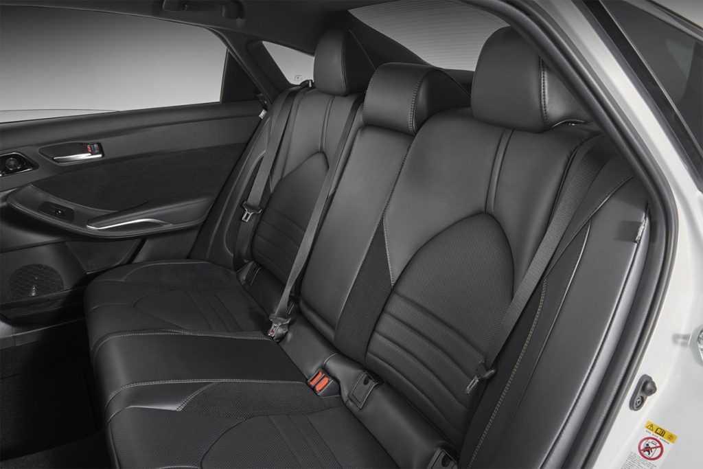 Огляд автомобіля Toyota Avalon 2019
