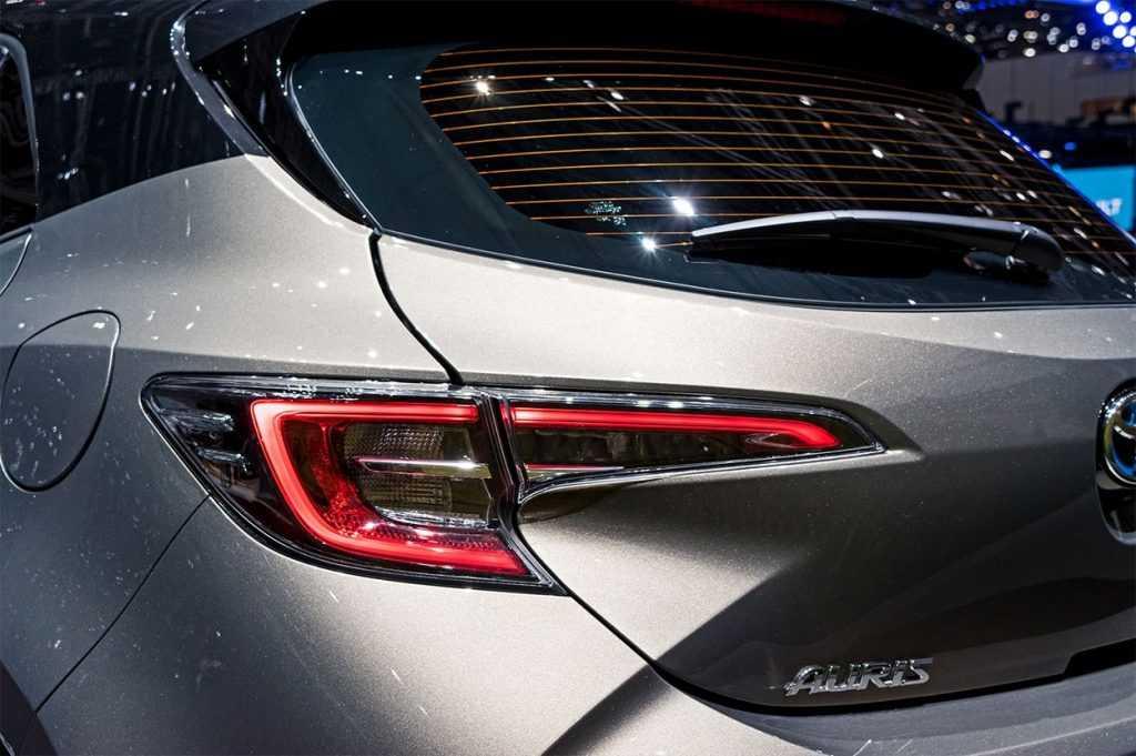 Огляд автомобіля Toyota Auris 2019