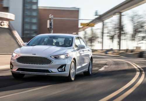 Огляд автомобіля Ford Fusion 2019