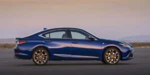 1828 Огляд автомобіля Lexus ES 2019