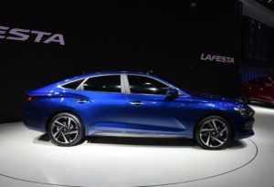 1895 Огляд автомобіля Hyundai Lafesta 2018