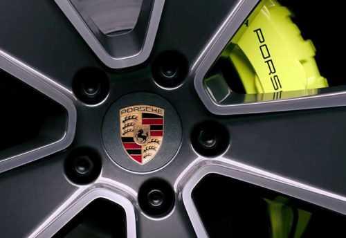Огляд автомобіля Porsche Cayenne E-Hybrid 2018
