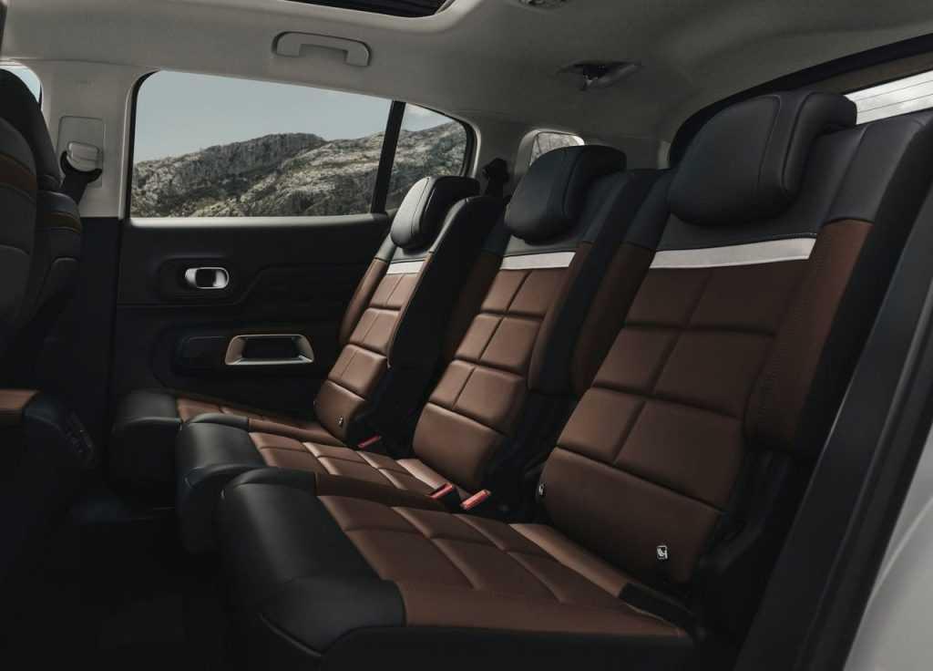 Огляд автомобіля Citroen C5 Aircross 2018 – 2019