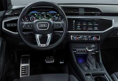 Огляд автомобіля Audi Q3 2019