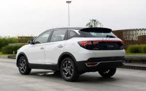 2559 Опис автомобіля Dongfeng AX7 2019 - 2020