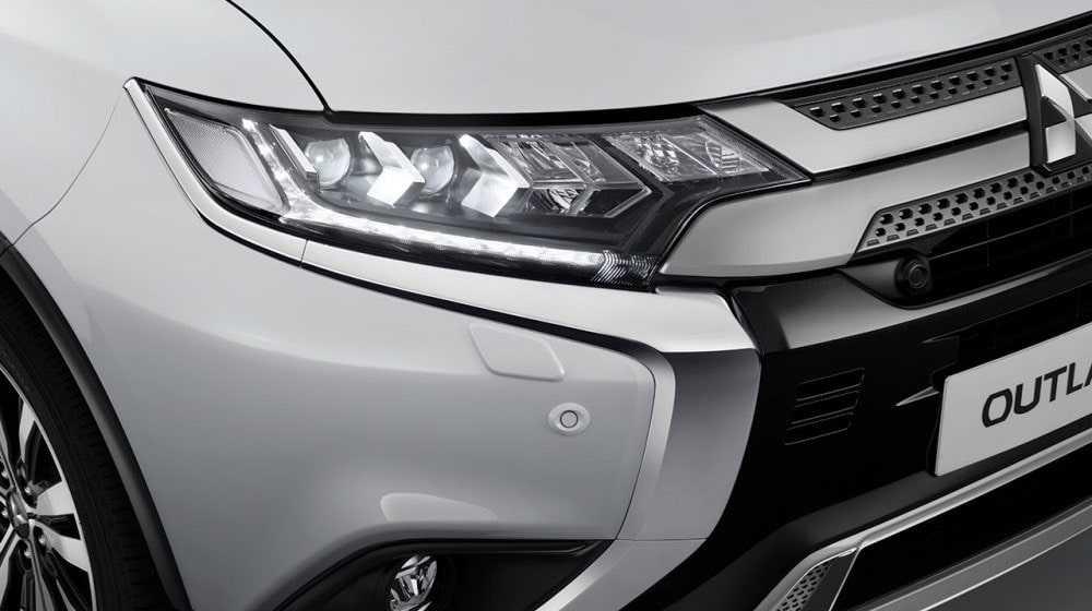 Опис автомобіля Mitsubishi Outlander 2019