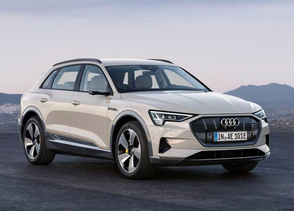 2652 Опис автомобіля Audi E-Tron 2019 - 2020