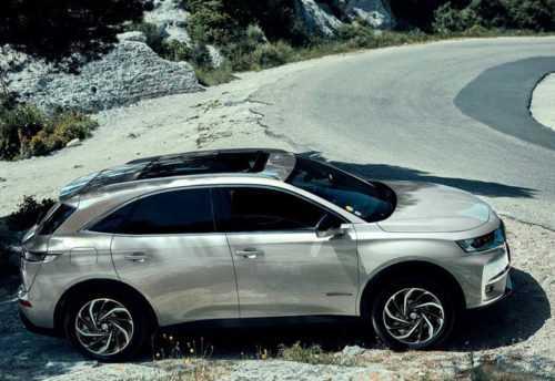 Опис автомобіля DS 7 Crossback E-Tense 4 × 4 2019 – 2020