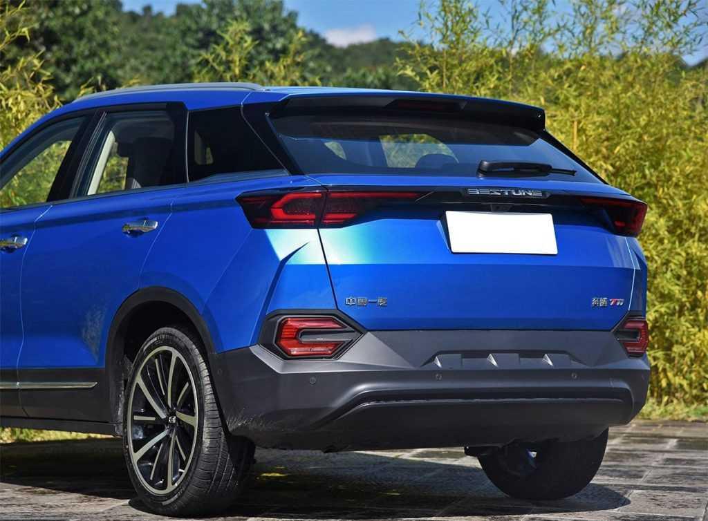 Опис автомобіля FAW Besturne T77 2018 – 2019