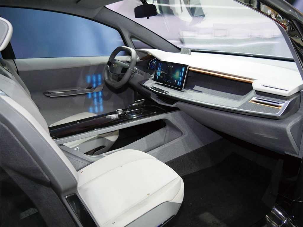 Опис автомобіля Geely Jiaji 2019