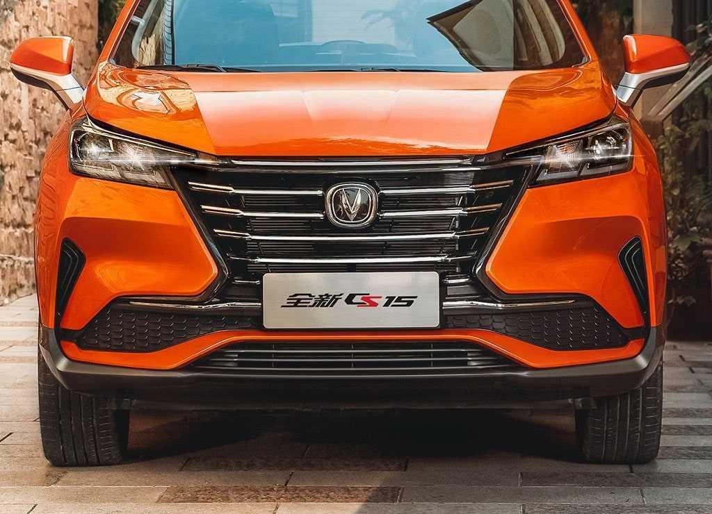 Опис автомобіля Changan CS15 2019
