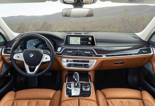 Опис автомобіля BMW 7-серії 2019