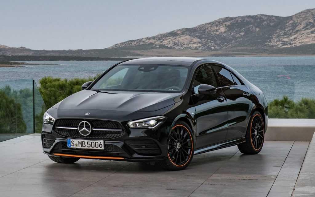 3156 Опис автомобіля Mercedes-Benz CLA 2019