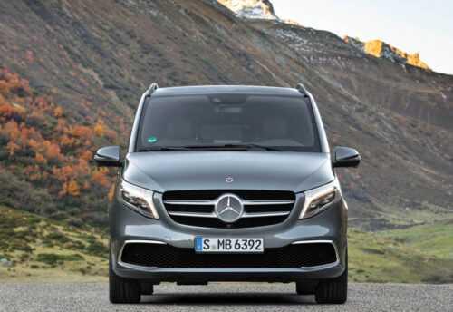 3242 Опис автомобіля Mercedes-Benz V-Class 2020