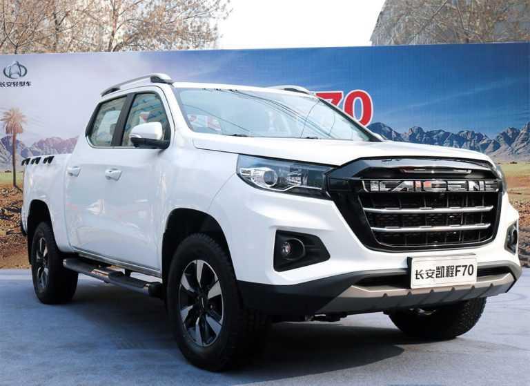 Опис автомобіля Changan F70 2019 – 2020