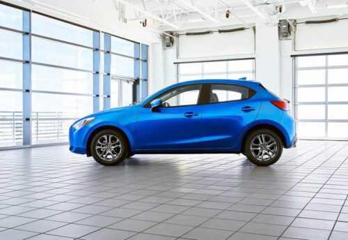 3682 Опис автомобіля Toyota Yaris 2019-2020