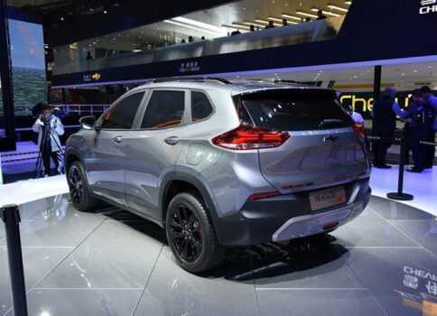 Опис автомобіля Chevrolet Tracker 2020