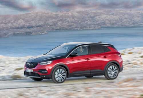 Опис автомобіля Opel Grandland X Hybrid4 2019 – 2020