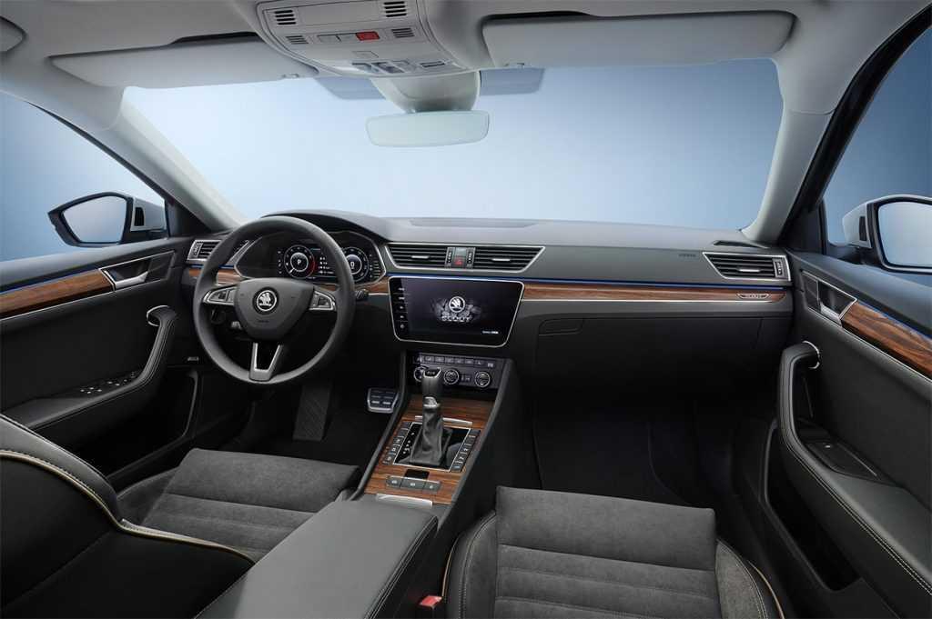 Опис автомобіля Skoda Superb 2019 – 2020