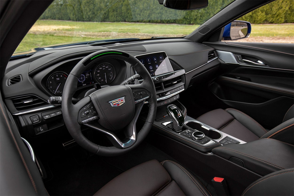 Опис автомобіля Cadillac CT4 2019 – 2020