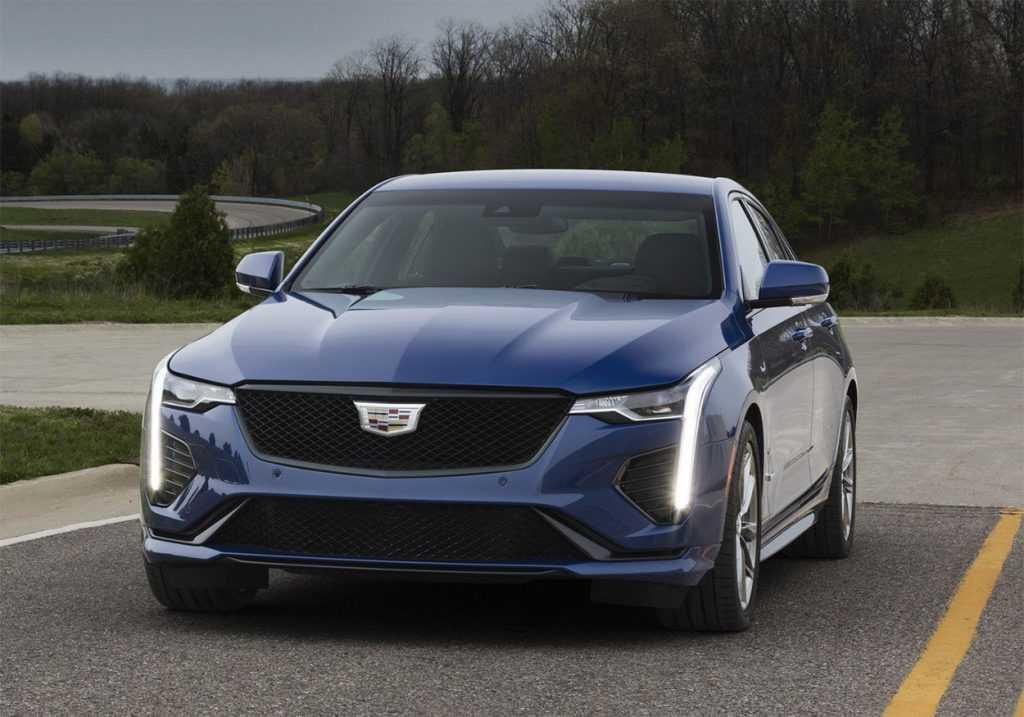 3879 Опис автомобіля Cadillac CT4 2019 - 2020