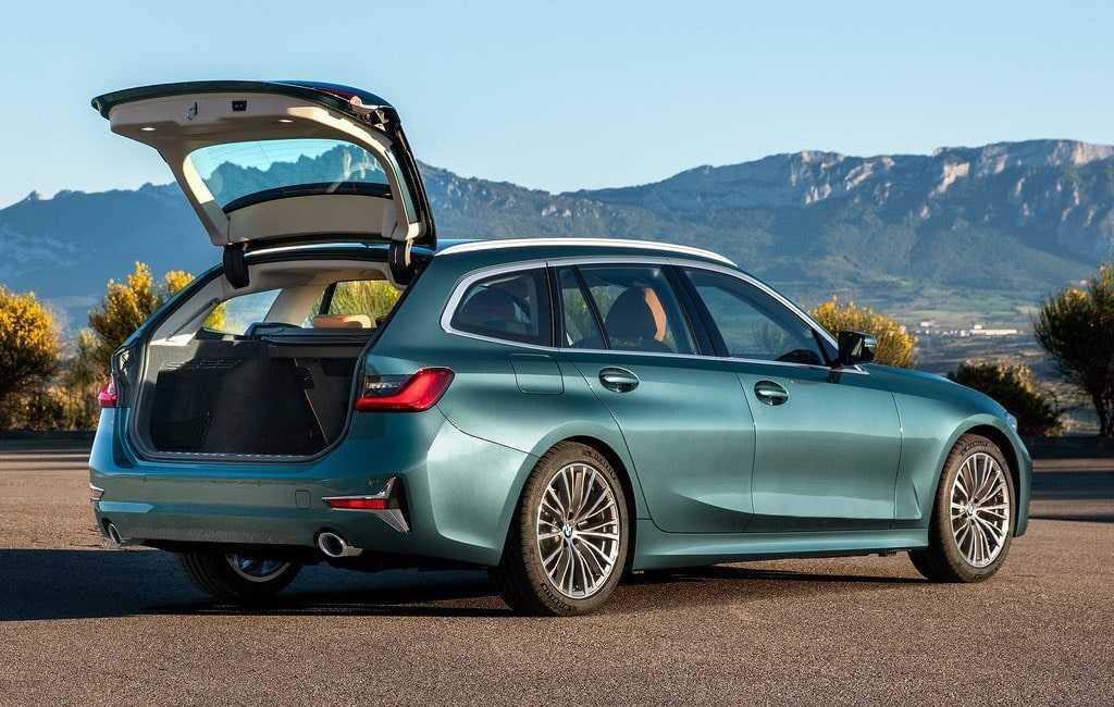 4241 Опис автомобіля BMW 3-Series Touring G21 2019 - 2020