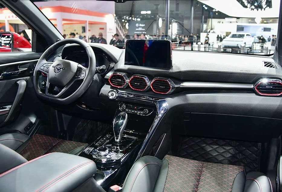 Опис автомобіля Haima S8 2019