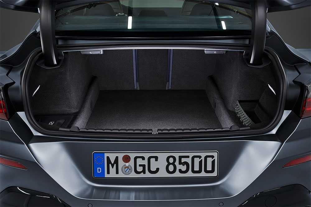 Опис автомобіля BMW 8-Series Gran Coupe 2019