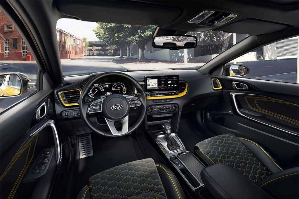 Опис автомобіля Kia XCeed 2019 – 2020