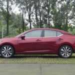4253 Опис автомобіля Nissan Sylphy 2019 - 2020