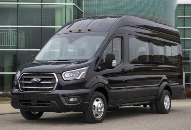 4417 Ford Transit: фургон на всі випадки життя. Ford Transit Kombi