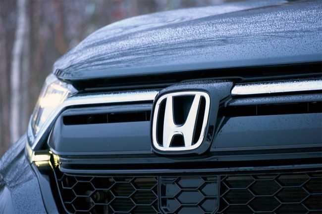 4653 В компании с обновленной Honda CR-V. Honda CR-V